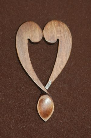 lovespoon favour L